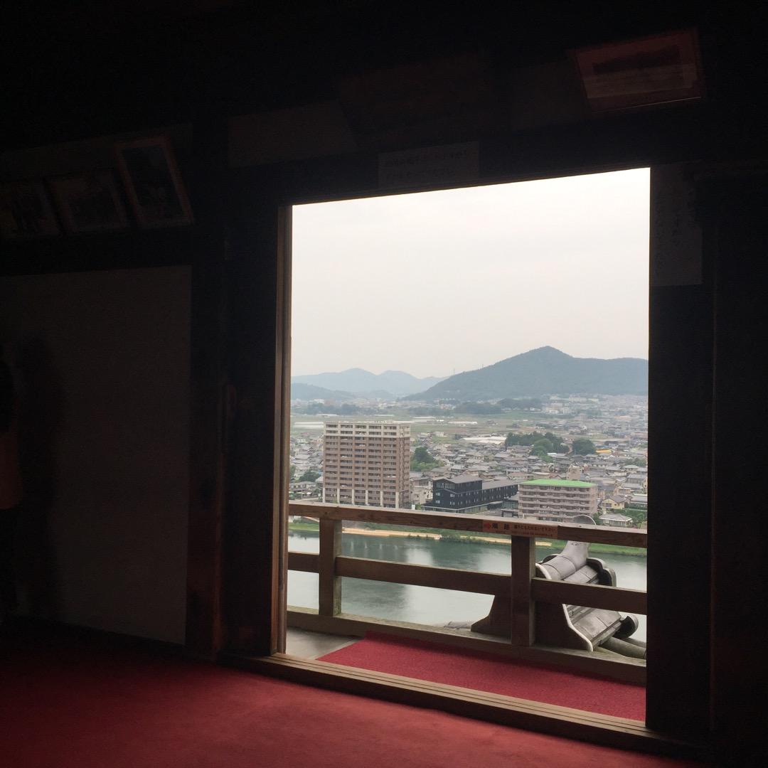 犬山の向こうの向こうまで見渡せた。 でも展望台はなかなか高い。 な...