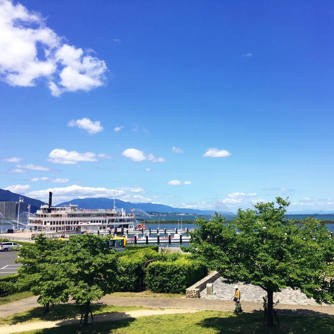 港には、ミシガンやビアンカという大きな遊覧船も船舶しています! ク...