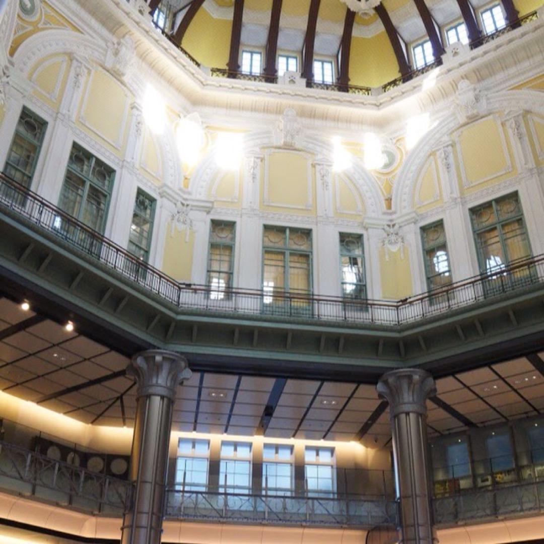 丸の内側の構内です。建築、装飾の観点からも素晴らしいですね。東京駅...