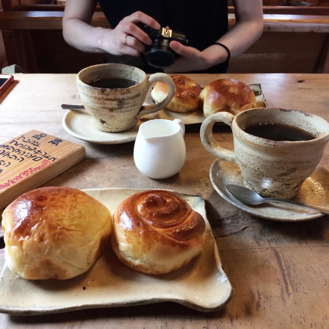 山田家珈房○ パンと珈琲がとても美味しい 可愛いロッジのお店です🏠...