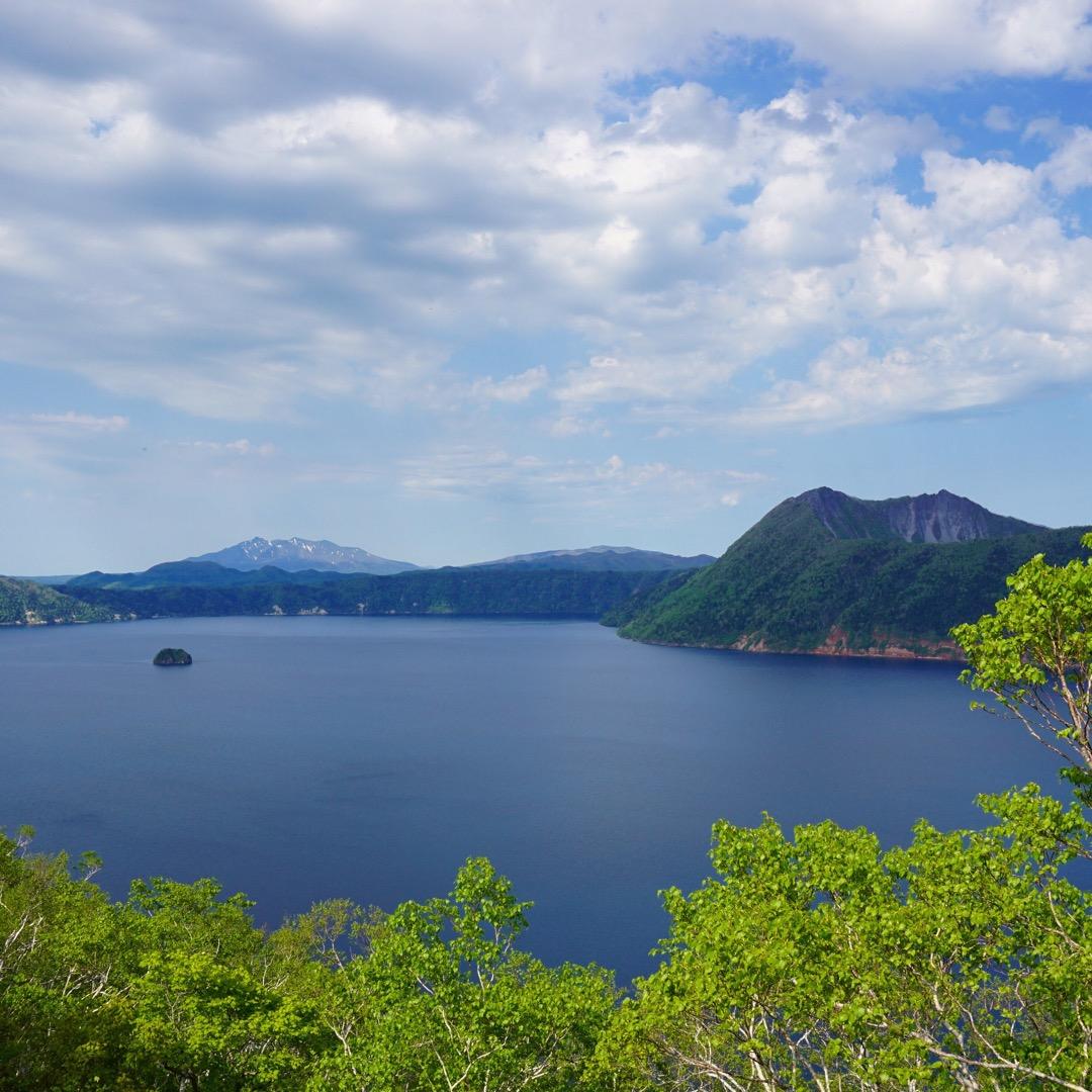 摩周湖🌿日本で一番、世界でも二番目に透明度の高い湖です!霧がかかっ...
