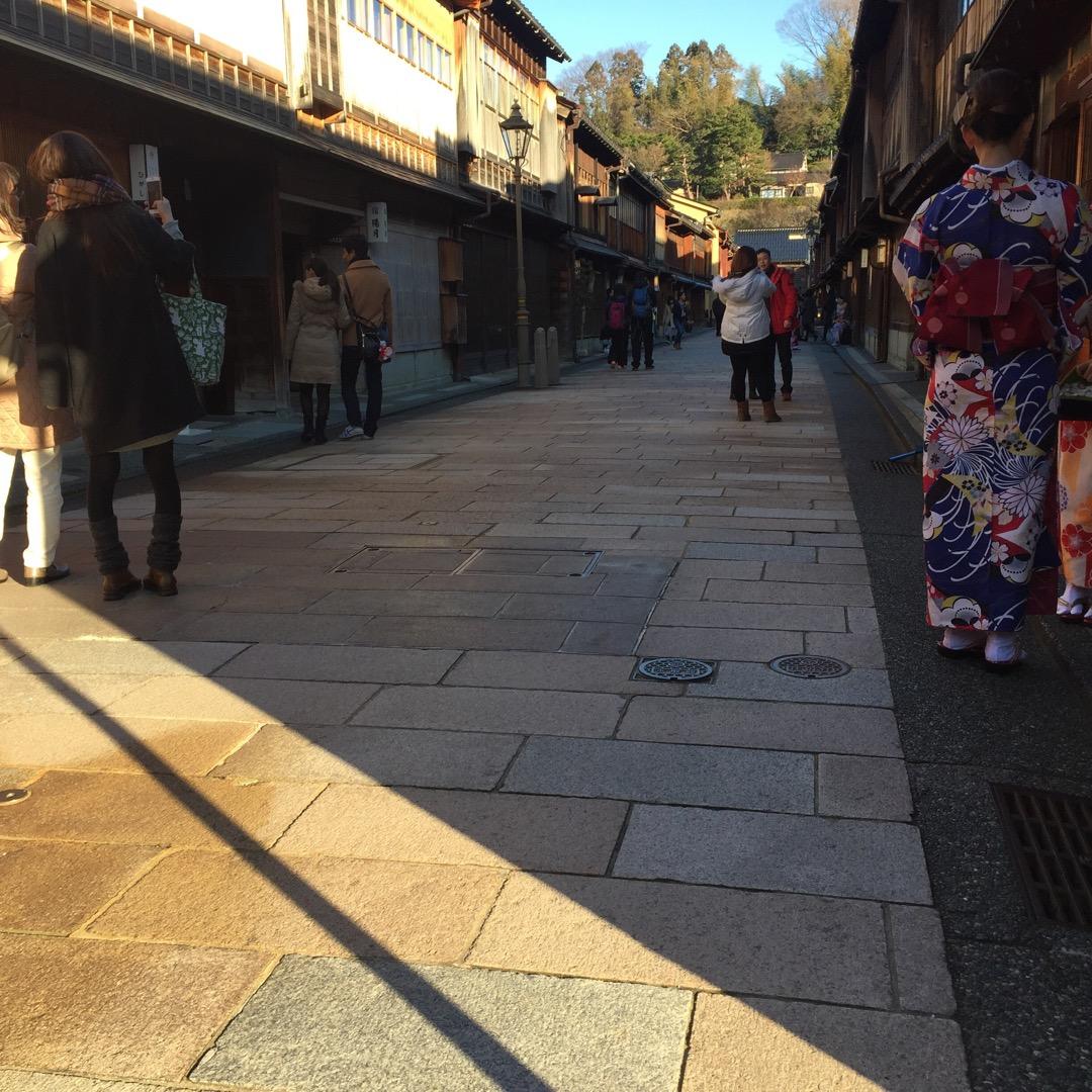 金沢! 第二の京都と言われているだけあって、風情があって良いですね...
