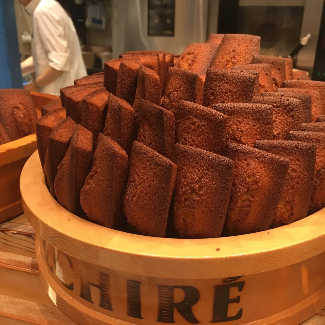 フランスの伝統発酵バターを使用した焼菓子ブランド。 これはやばい。...
