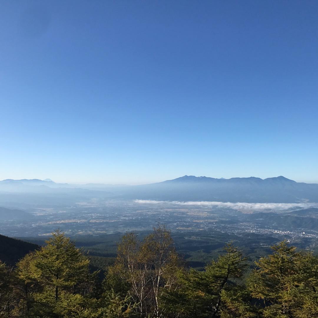 長野県小諸市の高嶺高原ホテルから見た市内の様子、いい時には雲海も見...