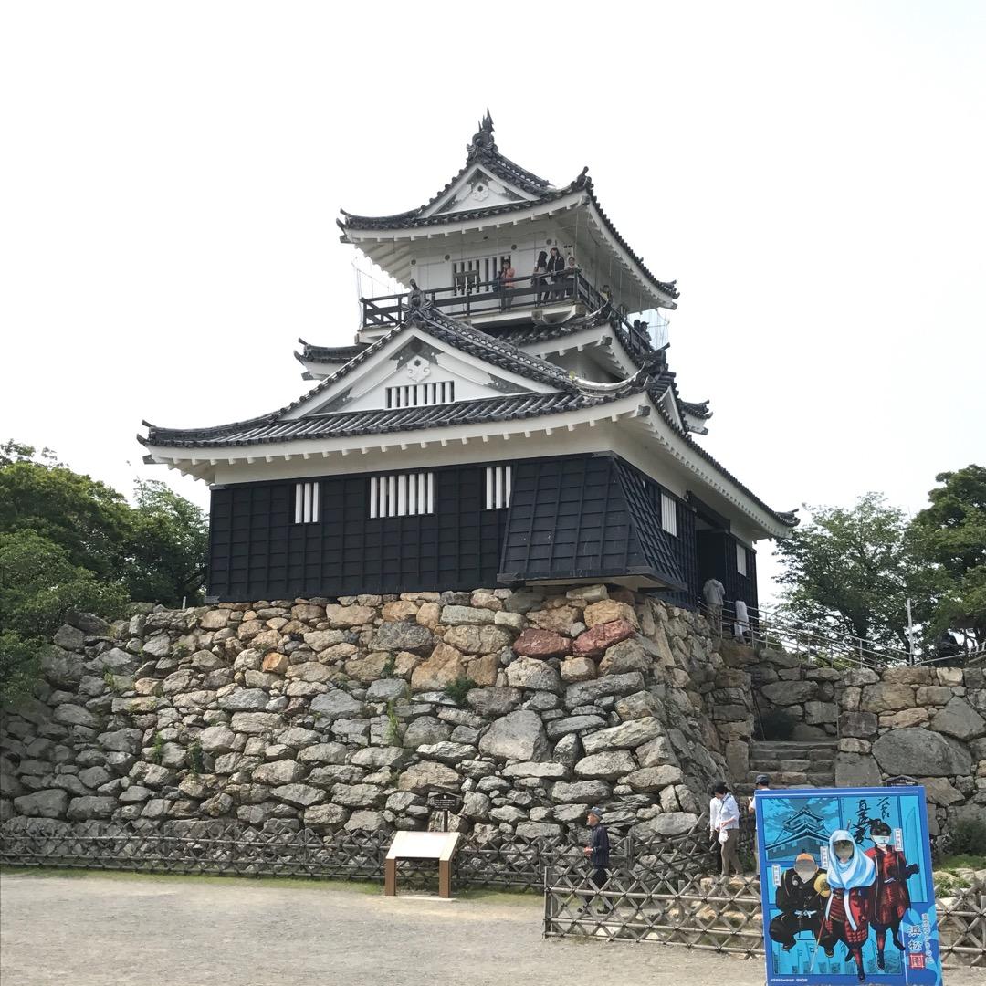 こちらは浜松城なのですが、大河ドラマ・井伊直虎の影響もあって混んで...