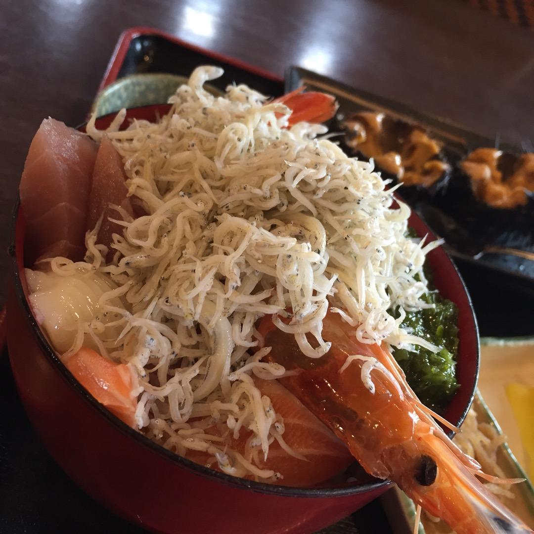 #たからや食堂  こんなに豪華な海鮮丼がお手頃価格で食べれました!...