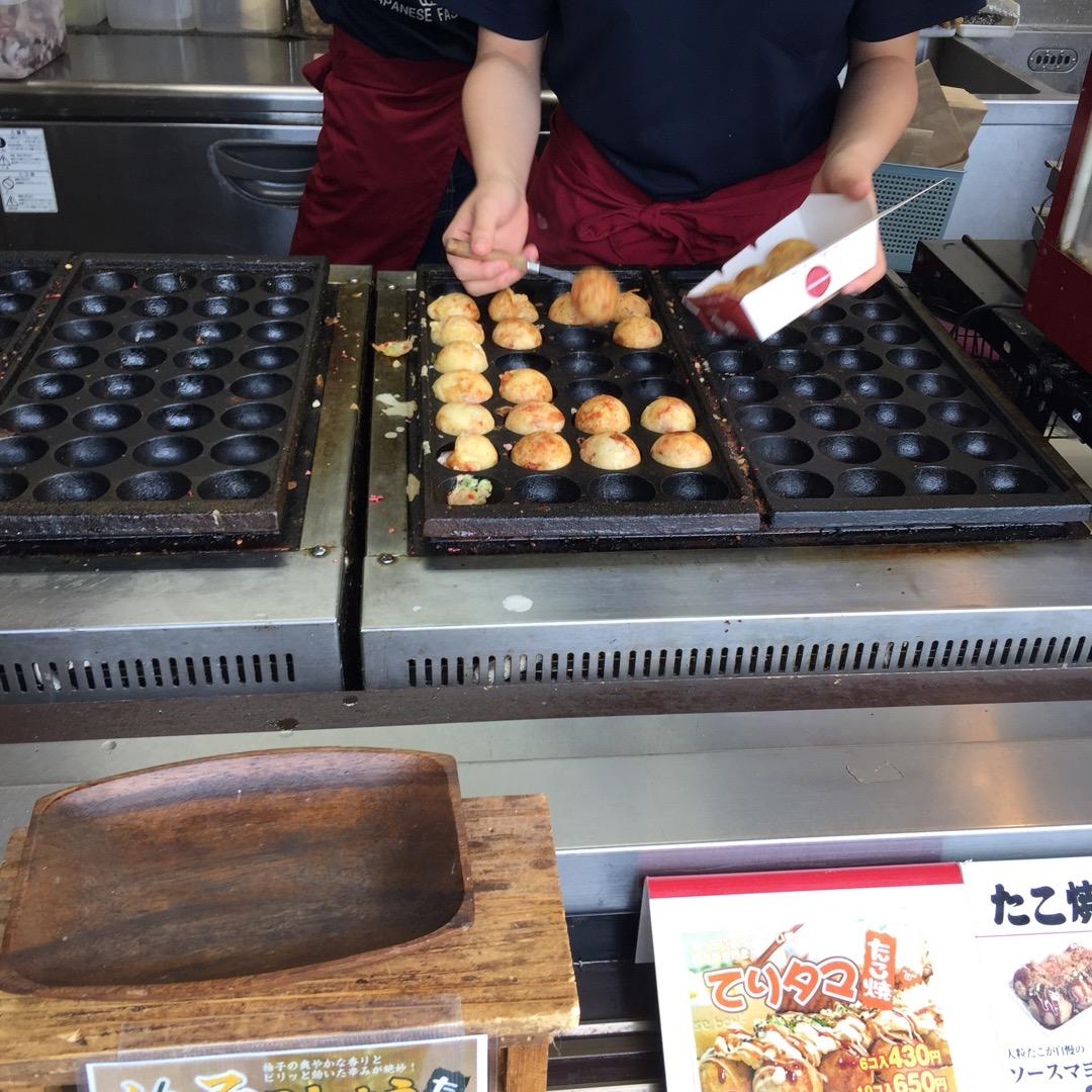 ソースマヨたこ焼き 6コ 380円也。コスパよし! 関西風の出汁生...