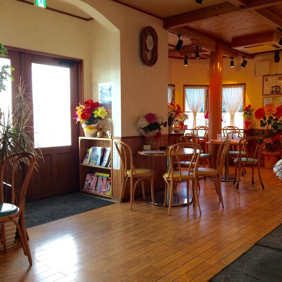 かわいらしい空間の喫茶店でした。 かわいいおばあちゃんの店員さんが...