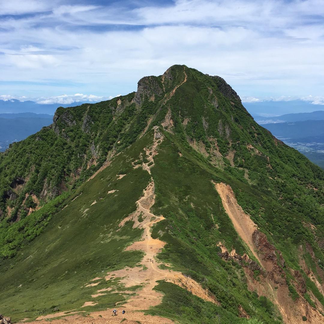 赤岳から見た阿弥陀岳です🗻