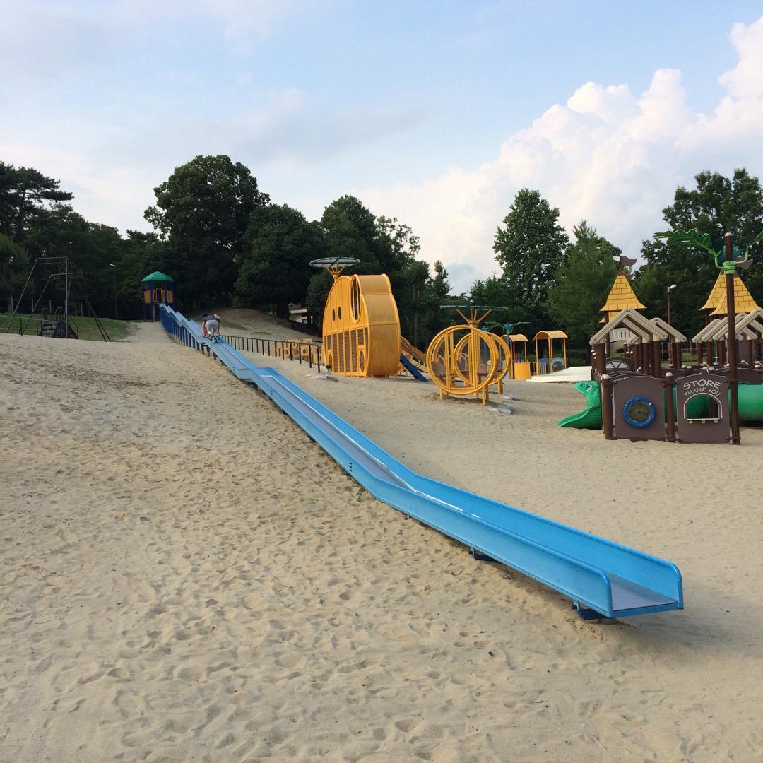 このロングローラー滑り台が #祖父江緑地公園 の魅力  #稲沢市 ...