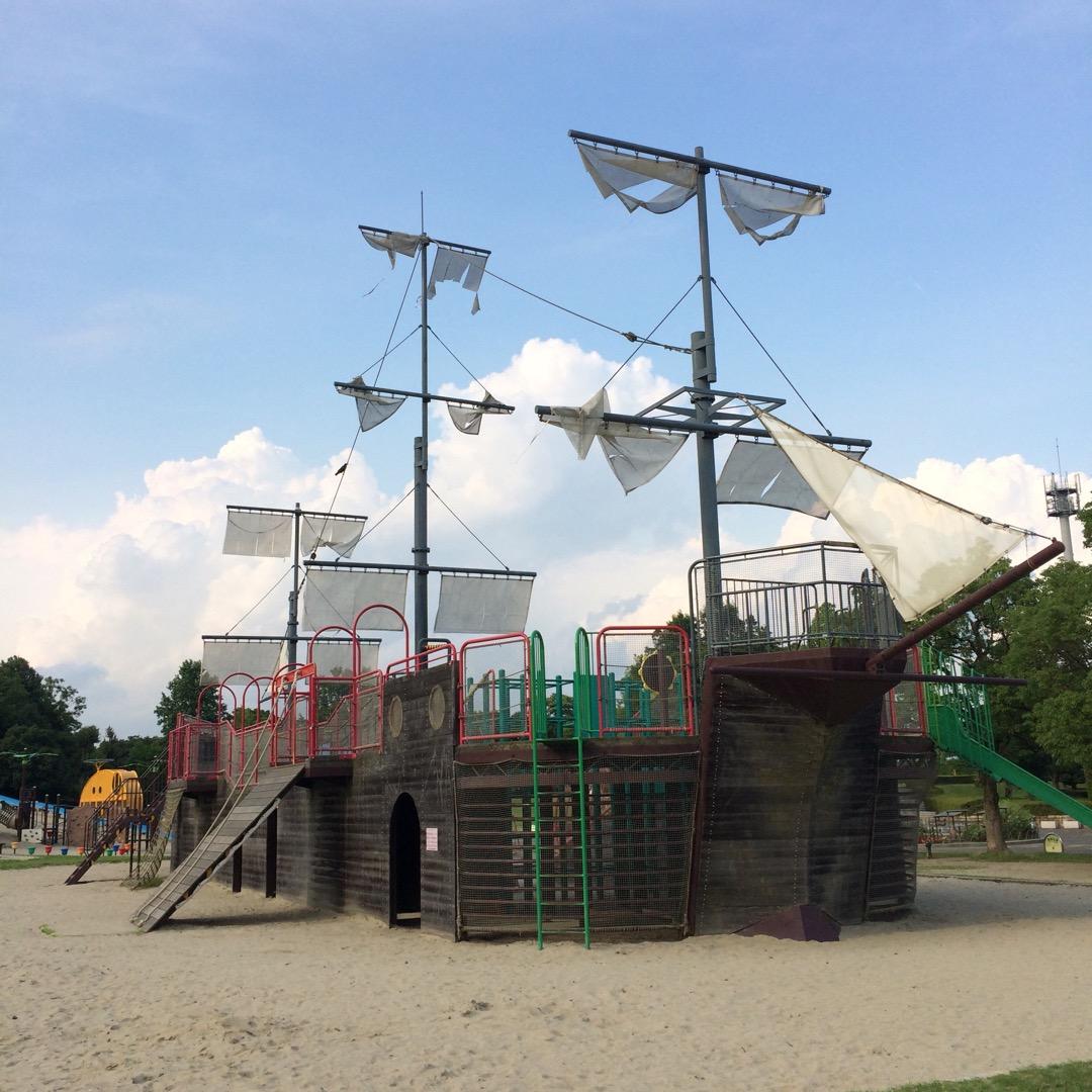 #祖父江緑地公園 子どもが遊ぶには最高。この海賊船で昔何度遊んだか...
