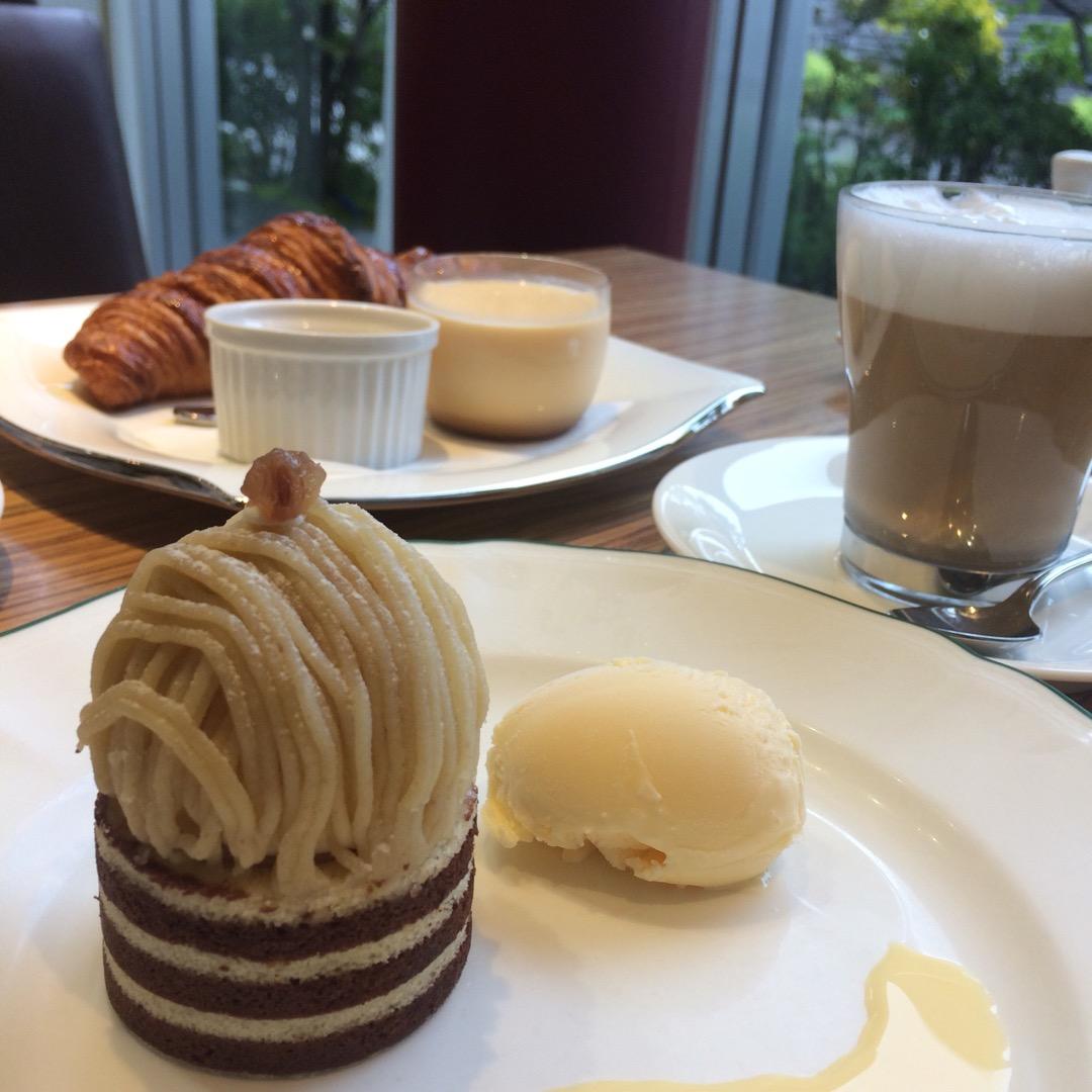 岐阜市の #ル・スリジェダムール というケーキ屋&カフェ。朝から ...