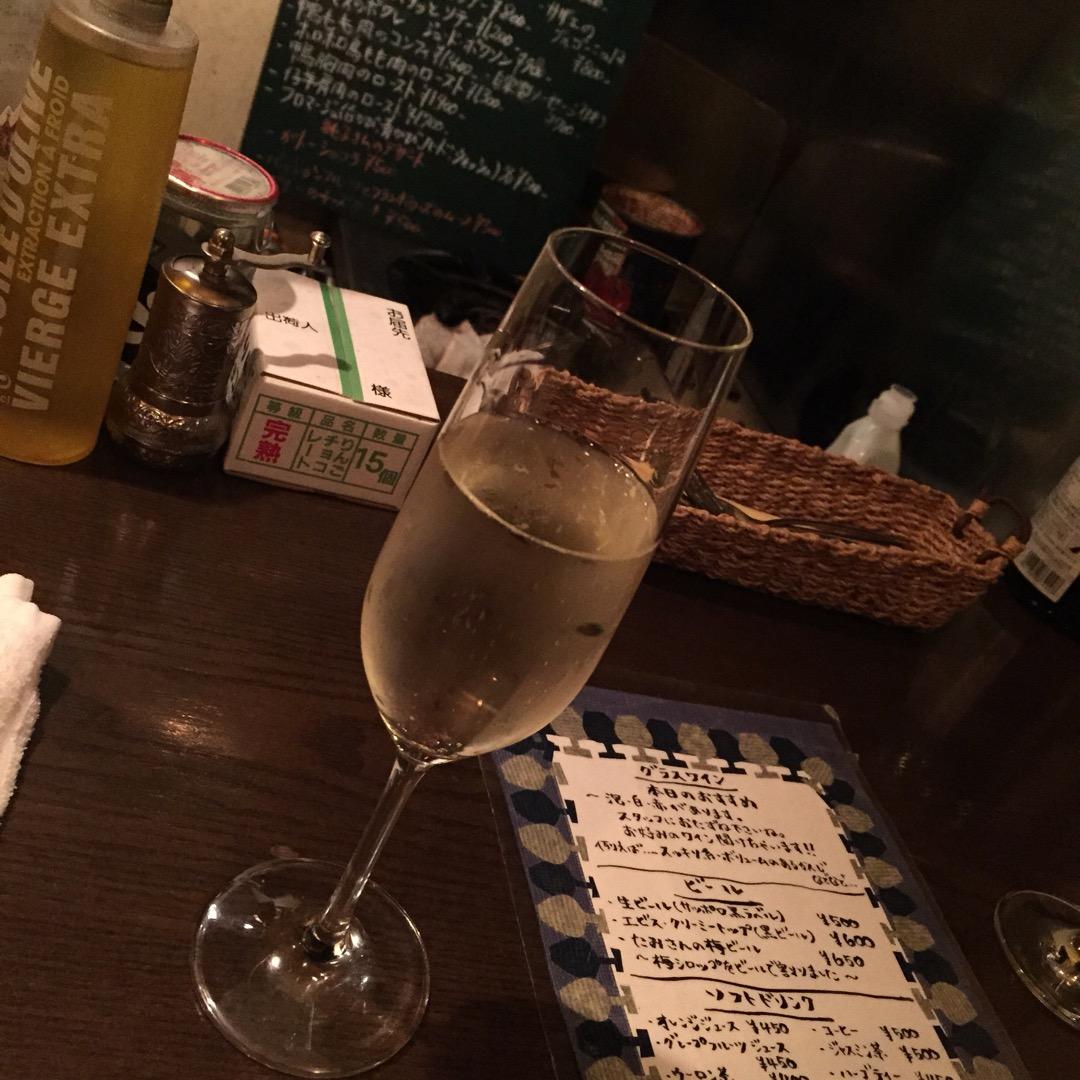 仙台三越の裏にある隠れたフランス料理店三日月🌙 日替わりの高級ワイ...
