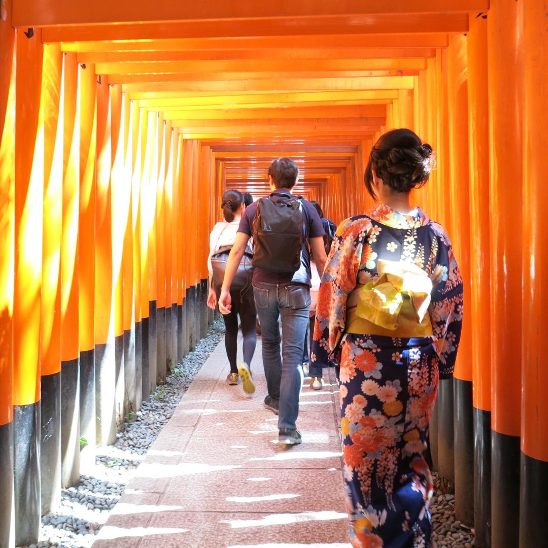 【伏見稲荷大社】 京都で1番好きな場所です。 京都へ来るたび訪れて...
