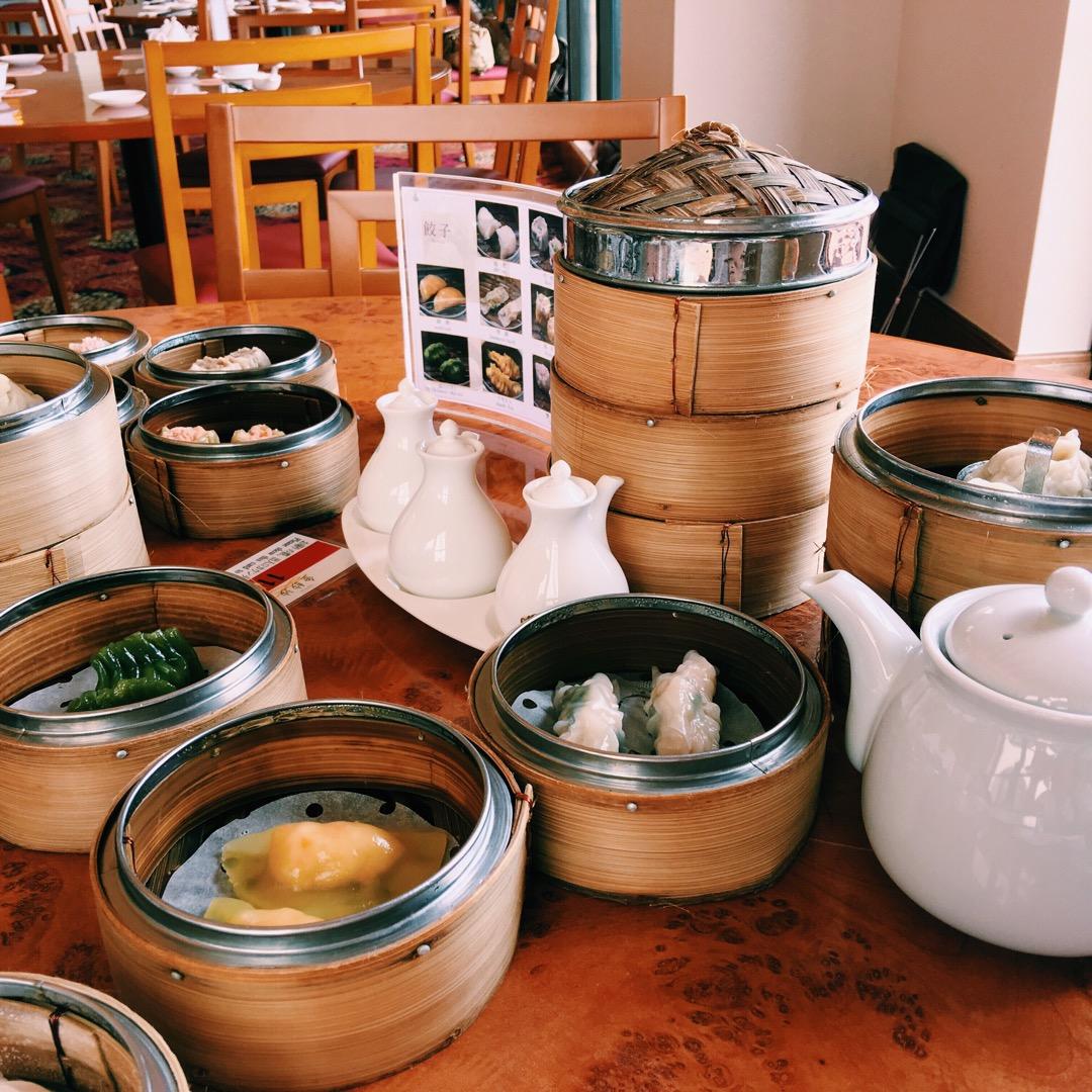 日航アリビラホテル内のレストランで頂いた飲茶食べ放題!種類も豊富で...