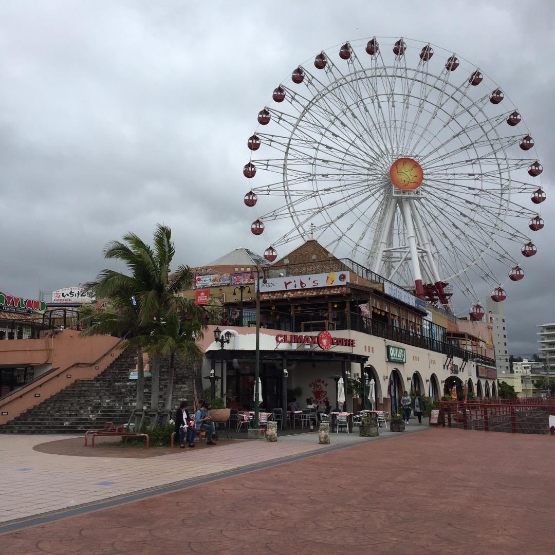 美浜のアメリカンビレッジに来ました(*^^*) 沖縄にいるのに、ア...