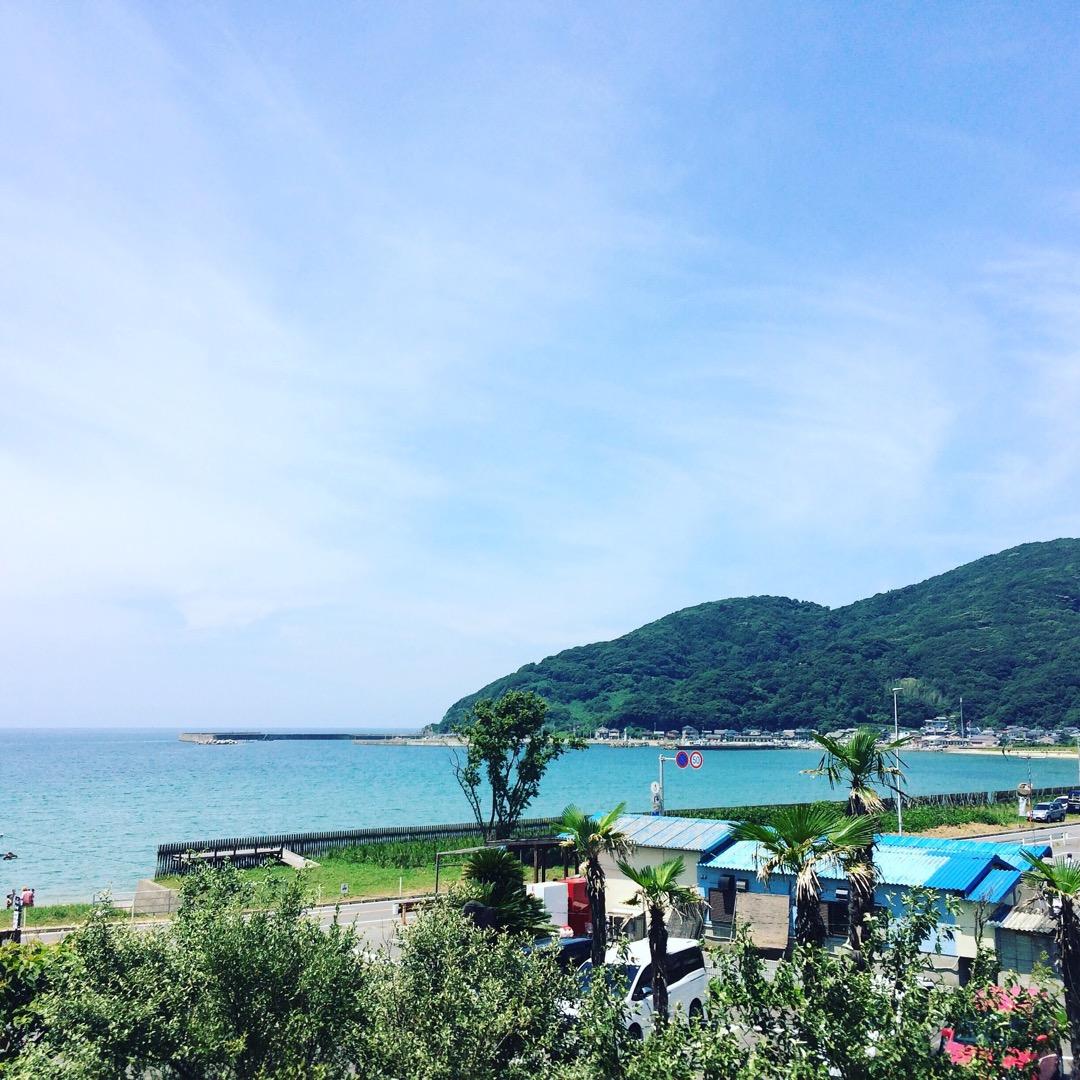 糸島の青い空、青い海を眺めながらランチ☀居心地がいい御飯屋さんで、...