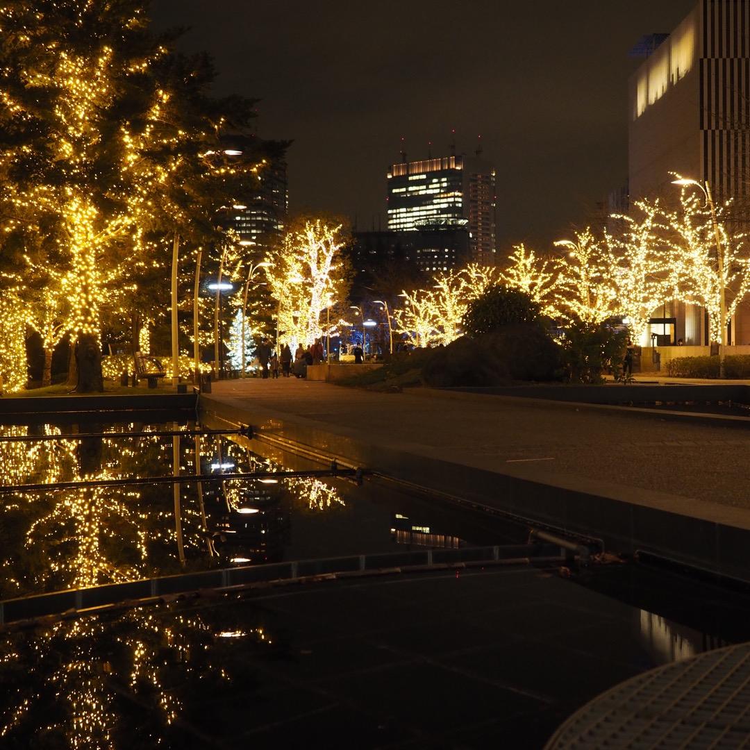 クリスマスシーズンのミッドタウンガーデン。 12月初旬なこともあっ...