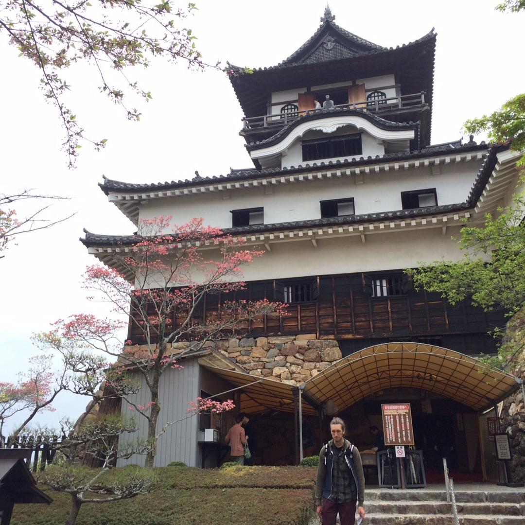 室町時代築城の犬山城。 現存している天守は、国宝に指定されています...