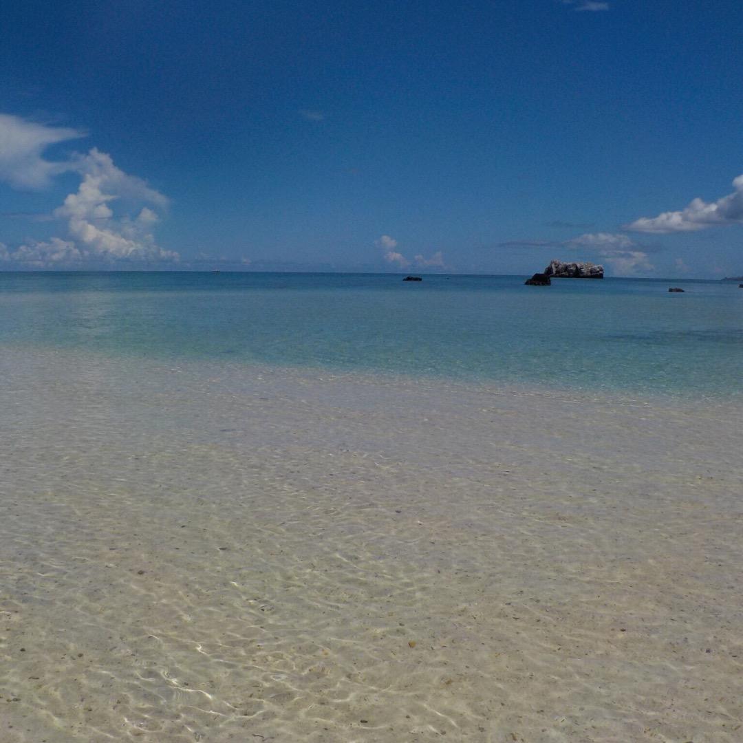 幻の島と呼ばれている浜島に上陸!海は綺麗だし、どこを見ても絶景だし...