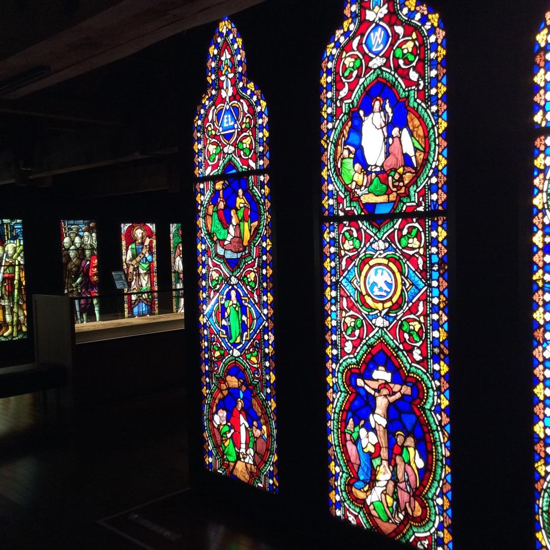 小樽にできたニトリ美術館のステンドグラスのきれいさが、半端じゃない...