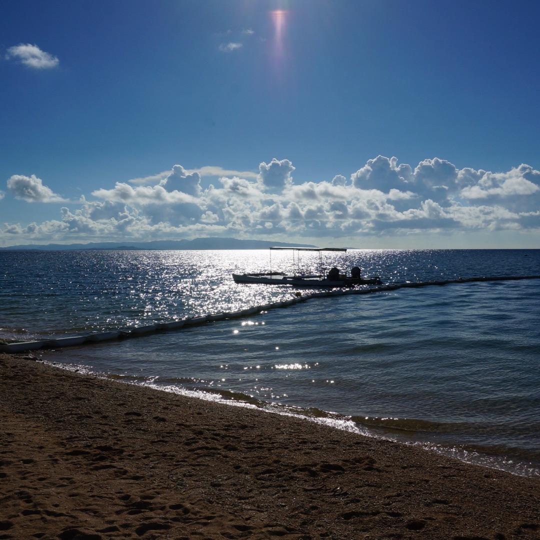 フサキビーチへ。砂浜には白いサンゴがいっぱい〜。  #フサキビーチ...