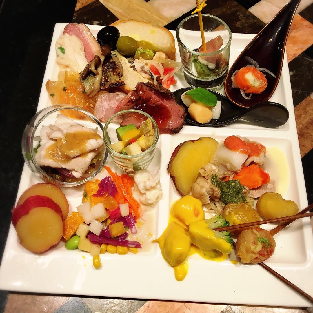 いろんな京都のホテルのランチビュッフェに行っていますが、センチュリ...