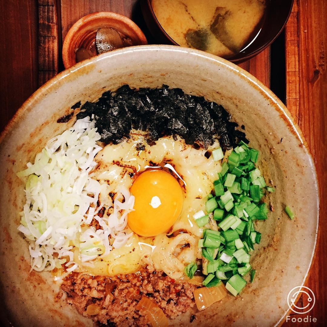 沖縄の麺の絶品まぜそば。 舌の快楽。食べたのはチーズ入り。 トッピ...