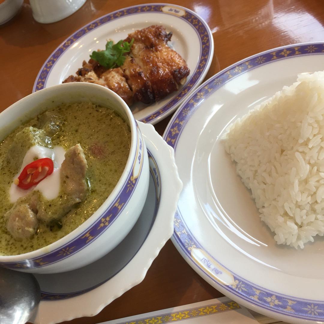 お客様の半分が外国の方で、万人ウケする 食べやすいタイ料理が食べら...