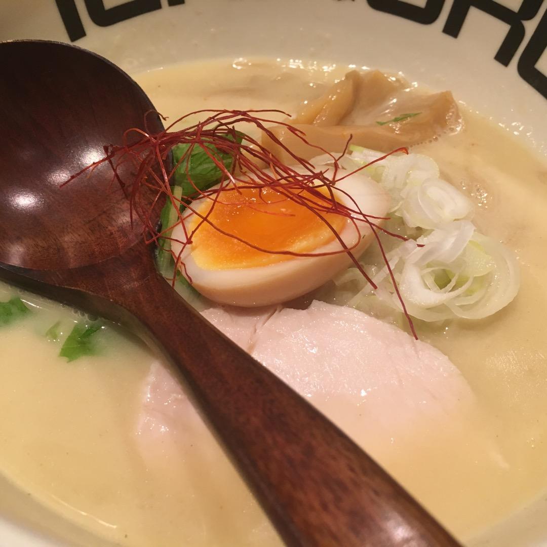 麻布十番でラーメンといえばここイチコロ!! 濃厚鶏白湯のスープが美...