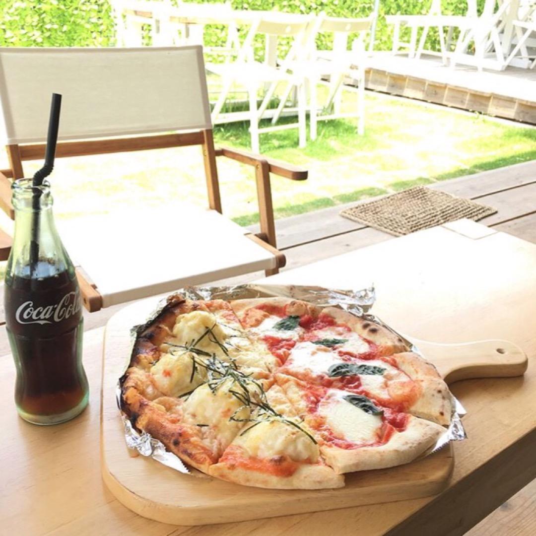 ピザがすごく美味しいカフェ🍕 barnmp さんです。 マルゲリー...