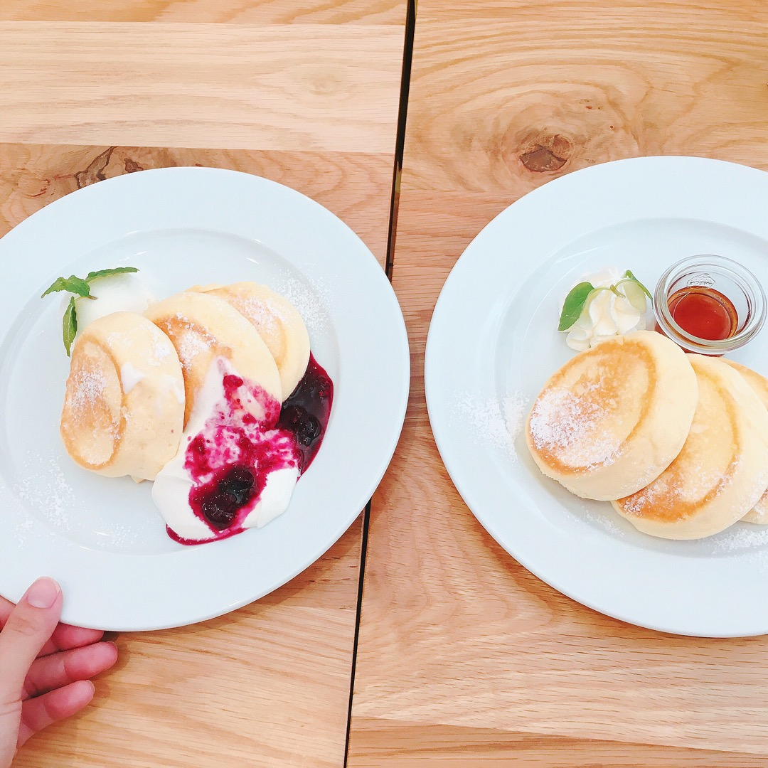 お目当パンケーキ💕 ふわっふわで美味しかった😆💕🐥 #豊川#caf...