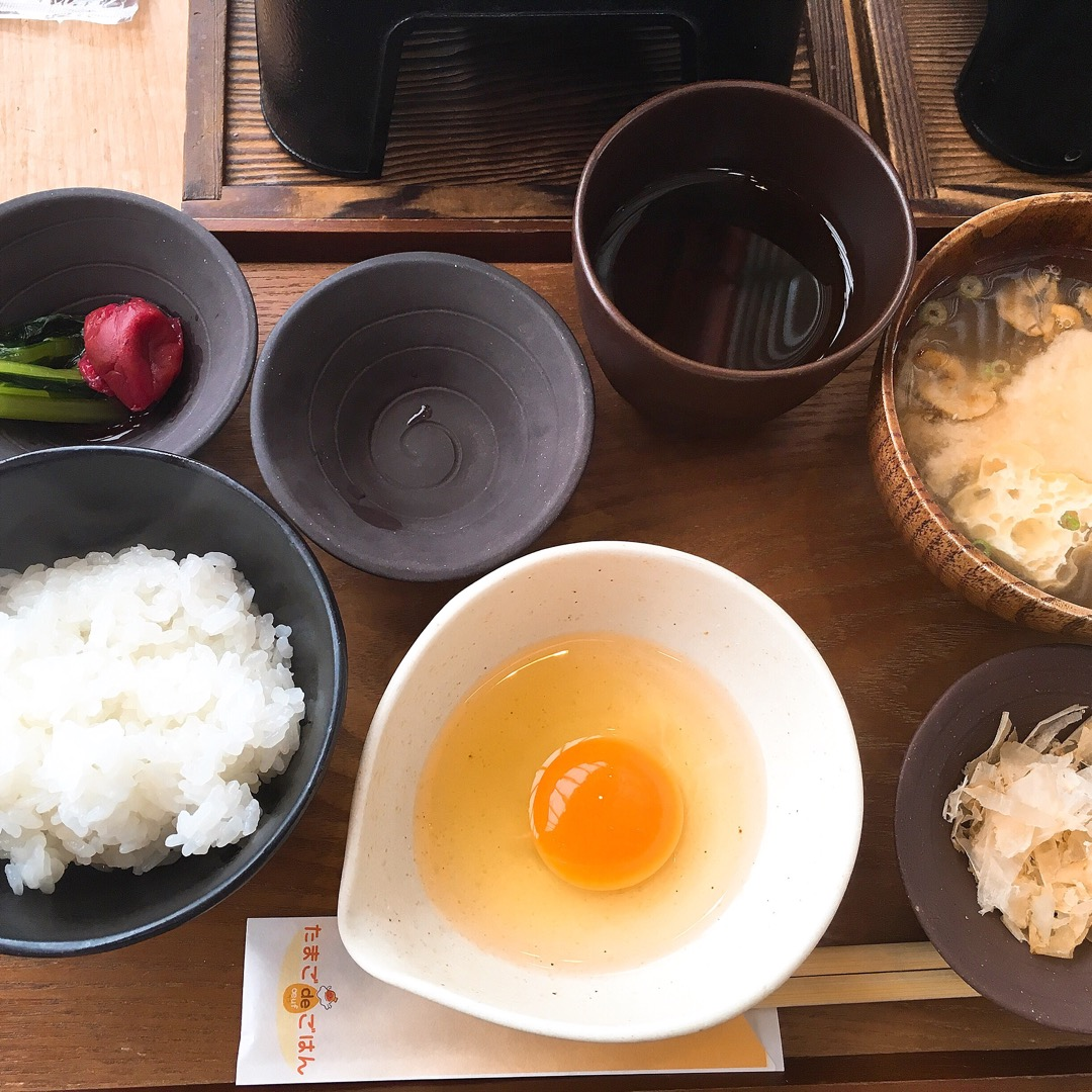 絶品卵かけご飯💕 なんと卵食べ放題🥚🥚🥚 箸で掴めるほど新鮮な卵で...