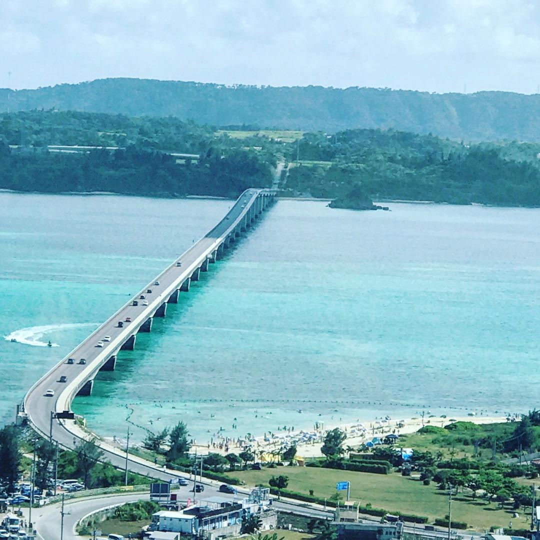 恋の島古宇利島……というキャッチコピーに惹かれて、古宇利島に渡って...