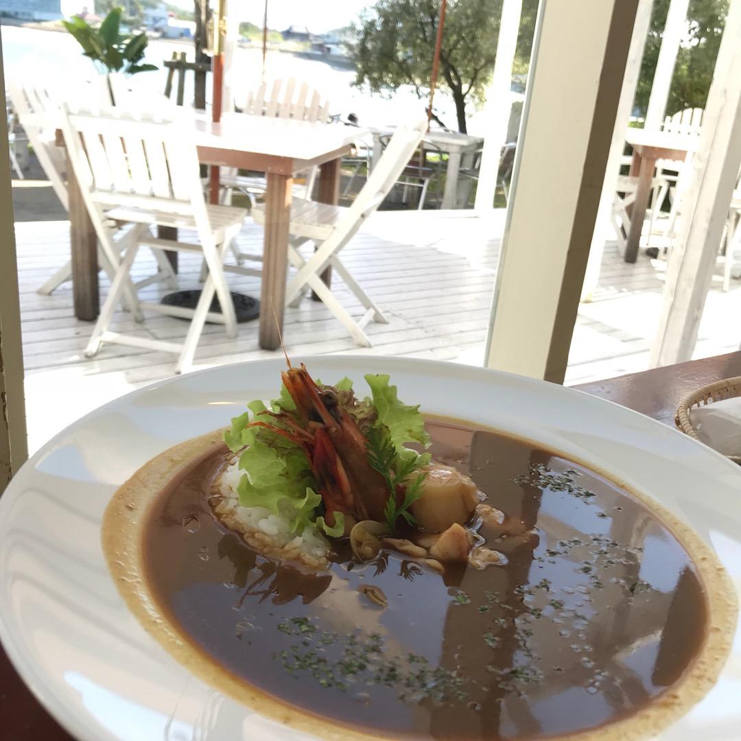 ロケーションやご飯が最高の糸島カフェ☕️海沿いにあり、テラスで海風...