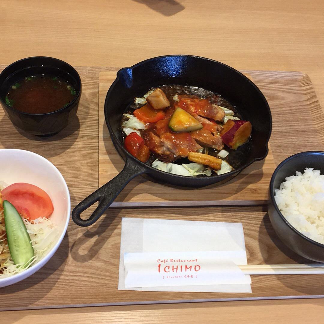 一宮駅のカフェでランチ♡