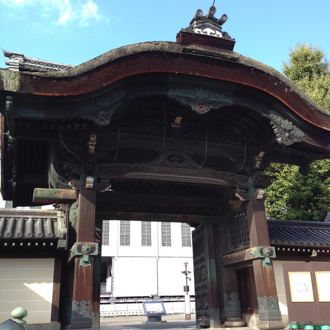 京都駅を出てすぐ見えるお寺♡! 京都にきたぞ!という気分になる。 ...