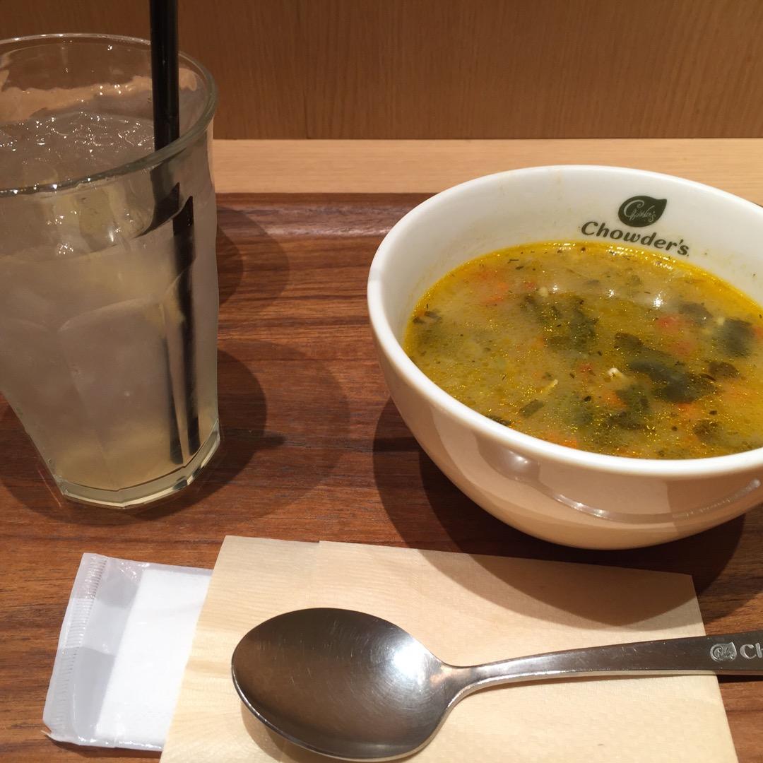 ミッドタウン内のスープのお店。気軽に入れるし、さっと食べたいときに...