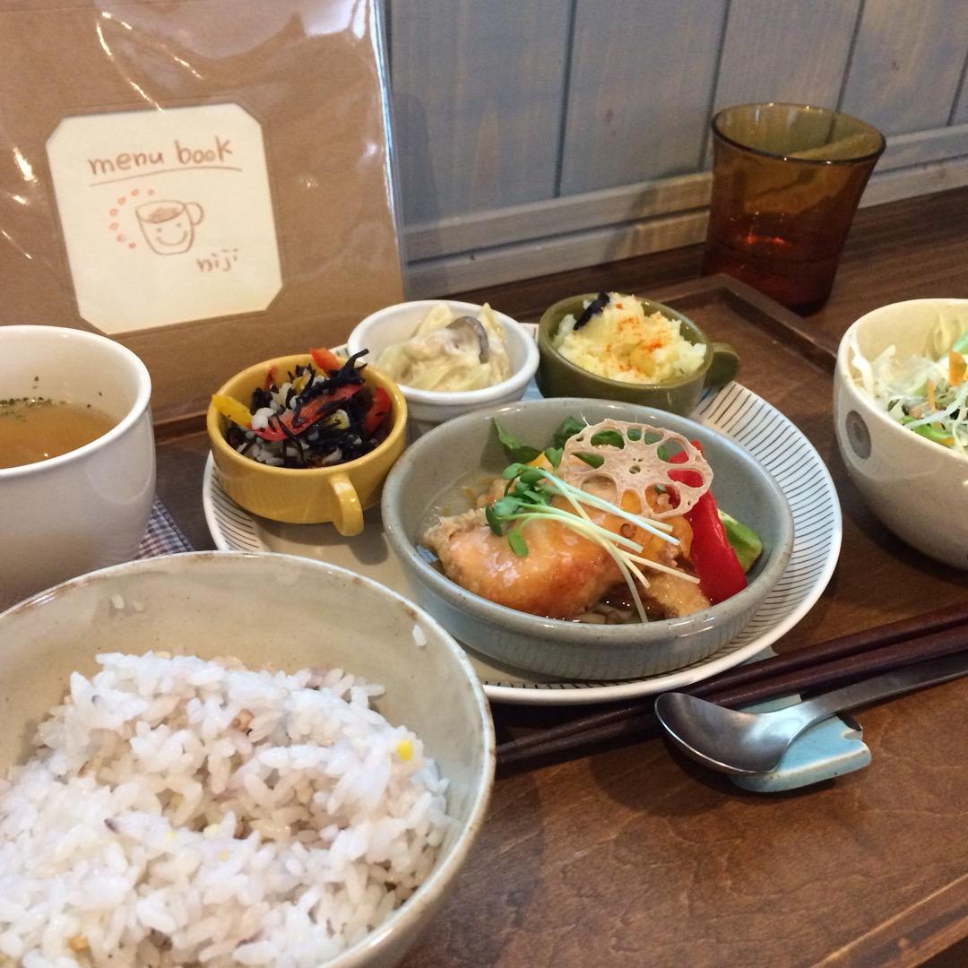 #にじいろcafe 地元の田舎にお洒落で美味しいお店が! 平日のラ...